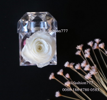 Preserved rose in Crystal Ring Box-02