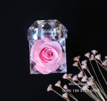 Preserved rose in Crystal Ring Box-05